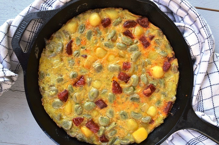 Lodge Logic Chef: Tortilla met Chorizo en Tuinbonen