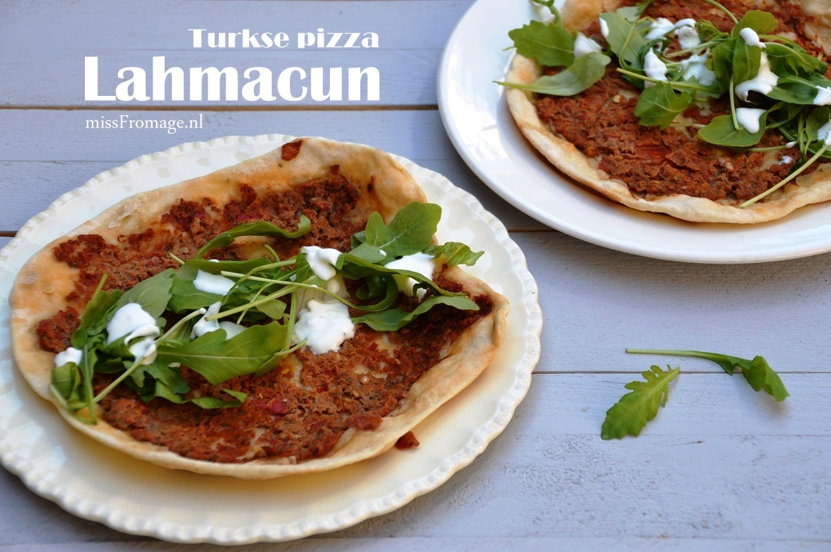 Turkse pizza. Lahmacun